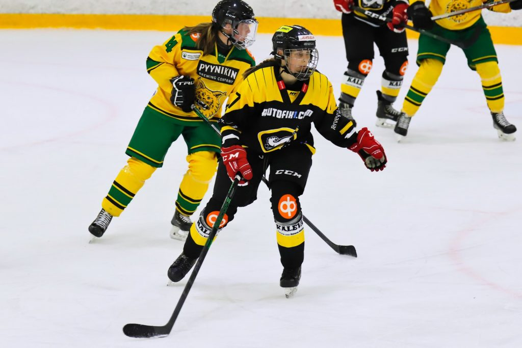 Oulun Kärppien hyökkääjä Tilli Keränen