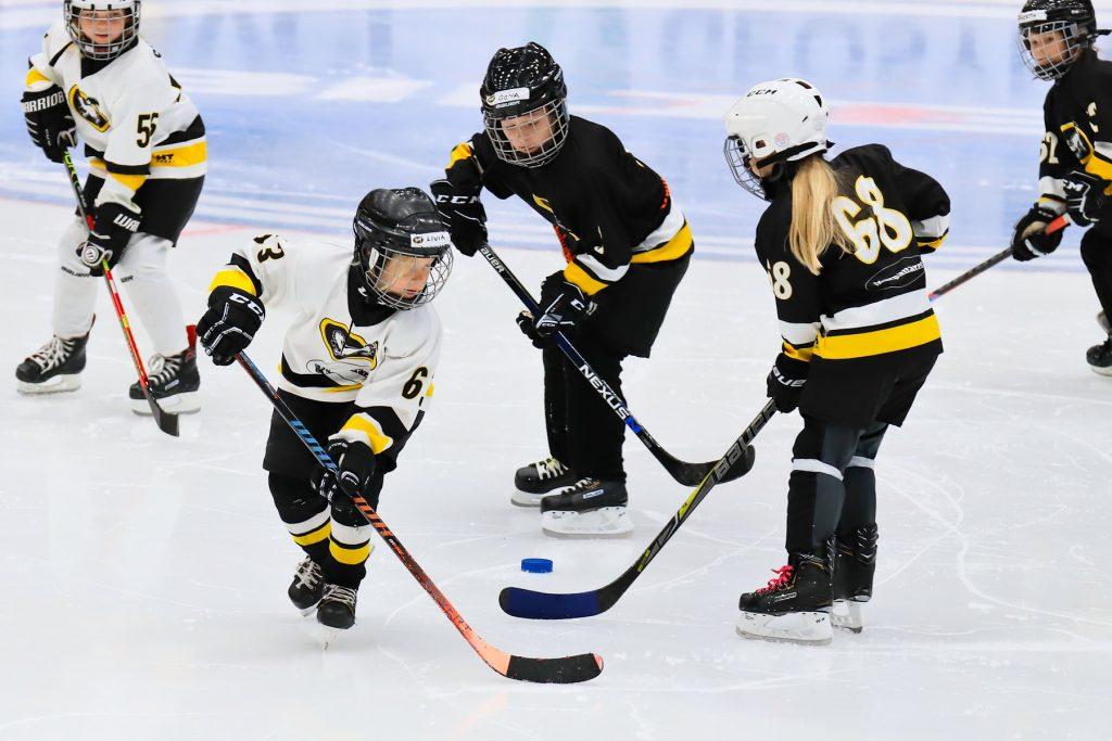 Kärpät Saijat pelaa jääkiekkoa
